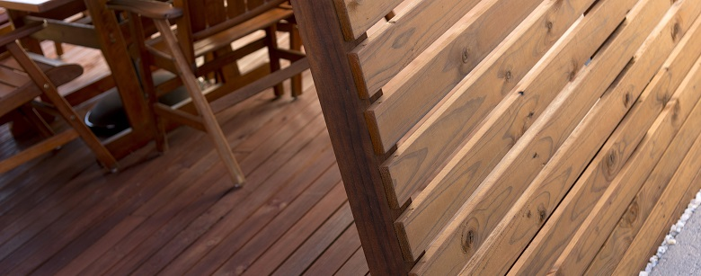 Tasmanian deck with Tasmanian pine